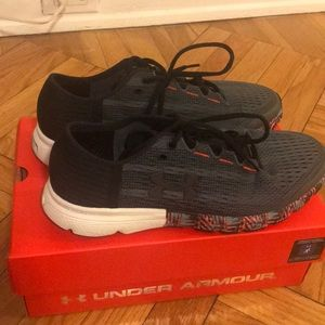 Brand new under armour shoes, size 10.5